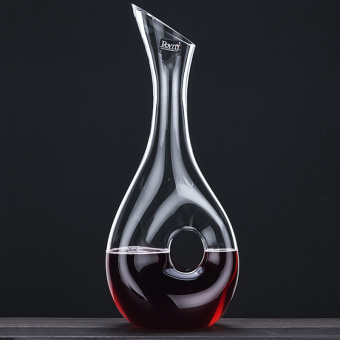 Lead-free crystal wine decanters is snail-shaped dry red wine hot pot points wine is