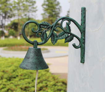 Special classic European and American country pastoral retro CastIron wrought iron doorbell wall Bell hand Bell tree doorbell