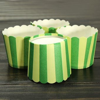 Harga XIYOYO 50X Christmas Cupcake Baking Paper Cup Muffin Cases Stripeliners Party Green - intl