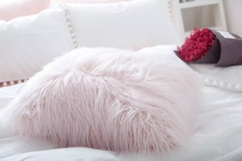 INS sweet beach wool pink photoshoot pillow