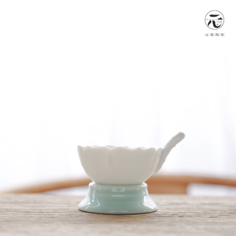 Harga Yuan is ceramic Celadon Porcelain zero accessories tea strainer tea