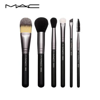 MAC LOOK IN A BOX: BASIC BRUSH (SGD 309 VALUE)
