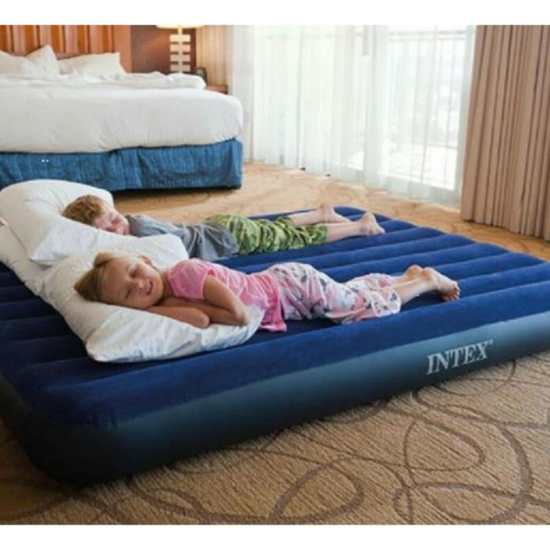 Intex Queen Mattress with Manual Pump & Pillows Set + Baterry Pump