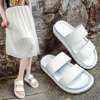 2017 summer new flat sandals thick crust muffin slip outdoor wildvelcro slippers word slippers female (White)