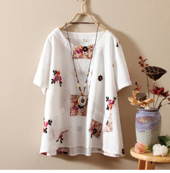 Casual national wind embroidered Plus-sized base shirt T-shirt (White)