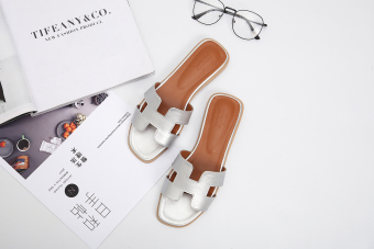 H Shishang female outerwear hot selling sandals slippers (Silver)