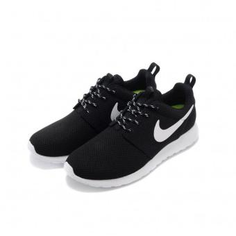 Harga NIKE ROSHE ONE MEN BLACK WHITE