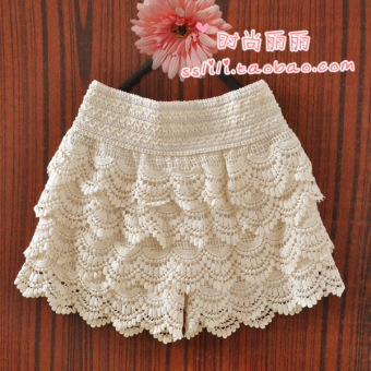 Harga Retro tassel wave elastic shorts