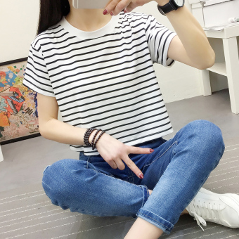 Loose Korean-style T-shirt student on the horizontal striped bottoming shirt (Lace white [free]) (Lace white [free])