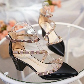 Riveted spring and pointed high-heeled shoes (Black)