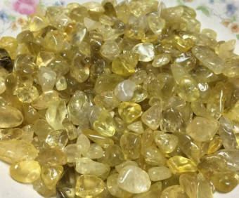 Harga Natural yellow crystal gravel degaussing gravel stone fish tank decoration material crystal bracelet material 500g price