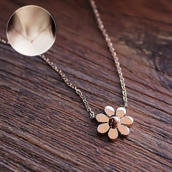 LOVE Japan and South Korea female elegant necklace choker