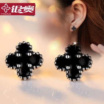 S925 silver four-leaf clover earrings girls day Korea minimalist temperament sweet student Sterling silver earrings clover earrings