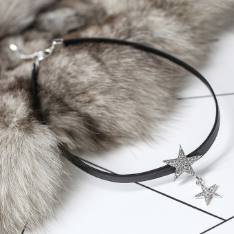 Simple black star necklace